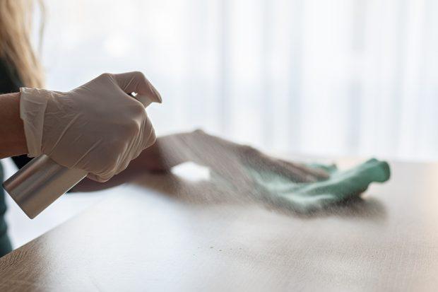 Cercetătorii au creat un dezinfectant care ucide 7 virusuri, inclusiv COVID. Are efect 7 zile după aplicare