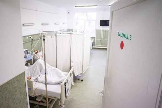 Niciun pat liber la ATI, în timp ce numărul pacienților COVID în stare gravă atinge un nou maxim