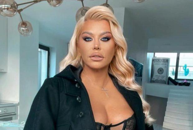 Loredana Groza, în pantaloni mulați și bluză transparentă la sala de fitness. Ce sacrificii face pentru a se menține