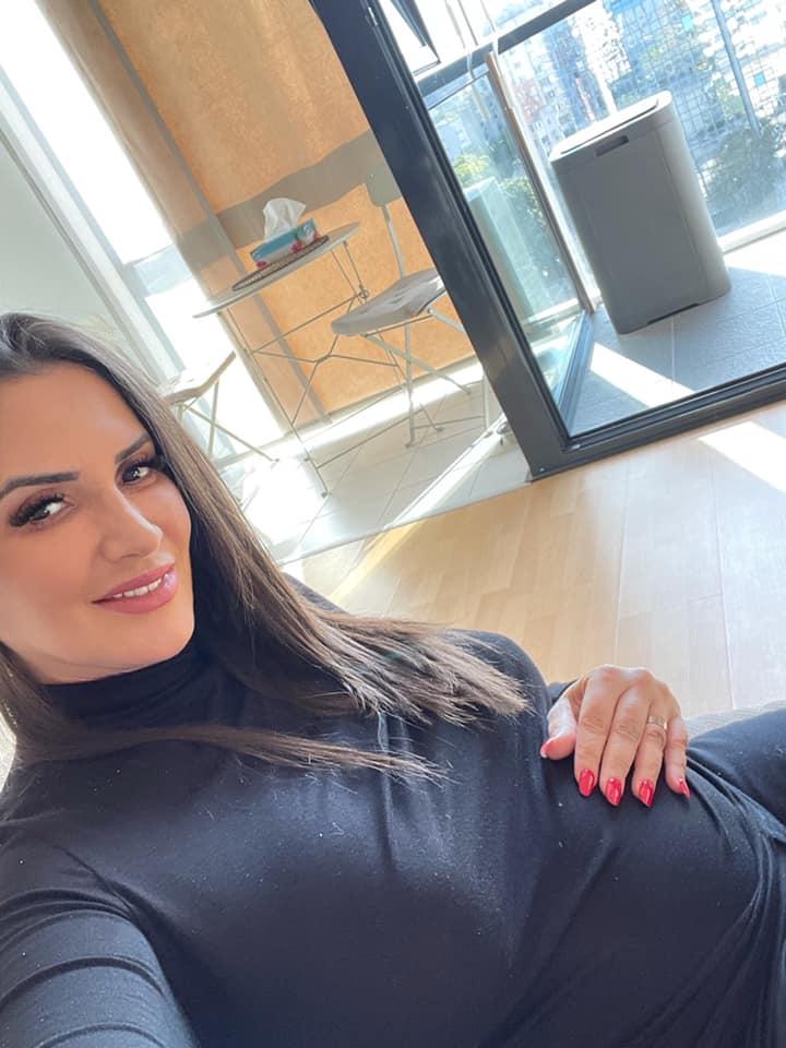 """Cum a pozat Mara Bănică în luna a șasea de sarcină: """"Hai că nu arăt rău"""""""