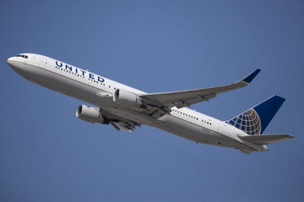 Compania aeriană United Airlines va concedia 232 de angajați care au refuzat să se vaccineze anti-COVID-19
